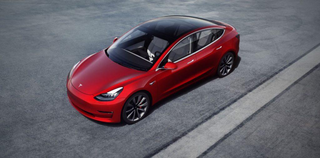 Pohlad na Tesla Model 3 zhora